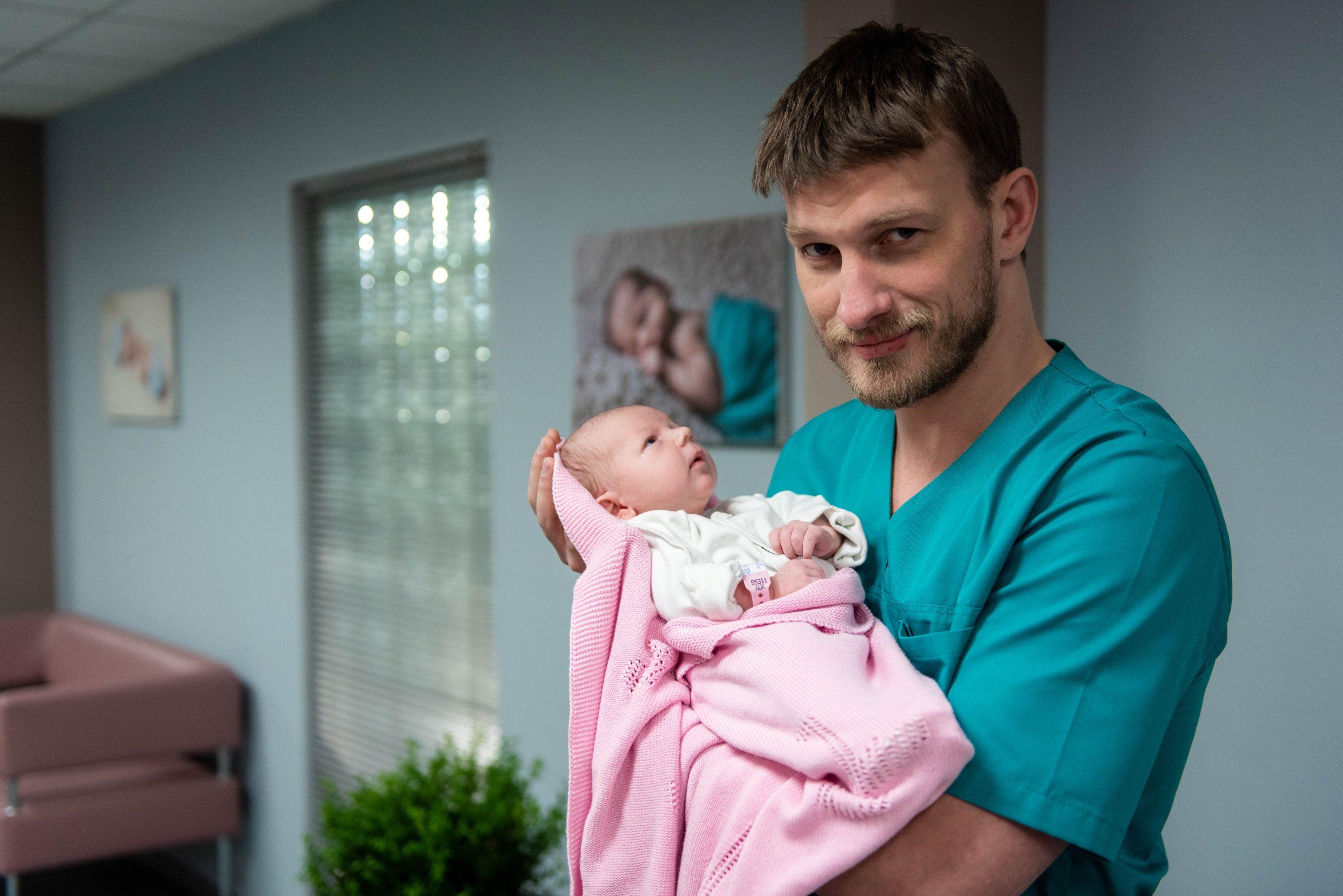 Film.ua знімає п'ятий сезон серіалу «Жіночий лікар» для каналу «Україна»
