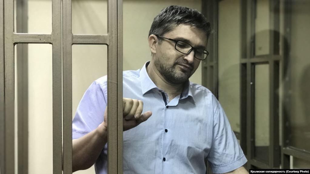 Блогер Мемедемінов після етапування до Ростовської області перебуває на карантині – адвокатка