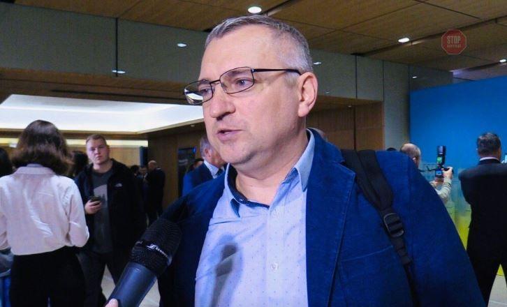 Олександр Федієнко закликав медіагрупи відкликати угоди про відмову від договорів з операторами