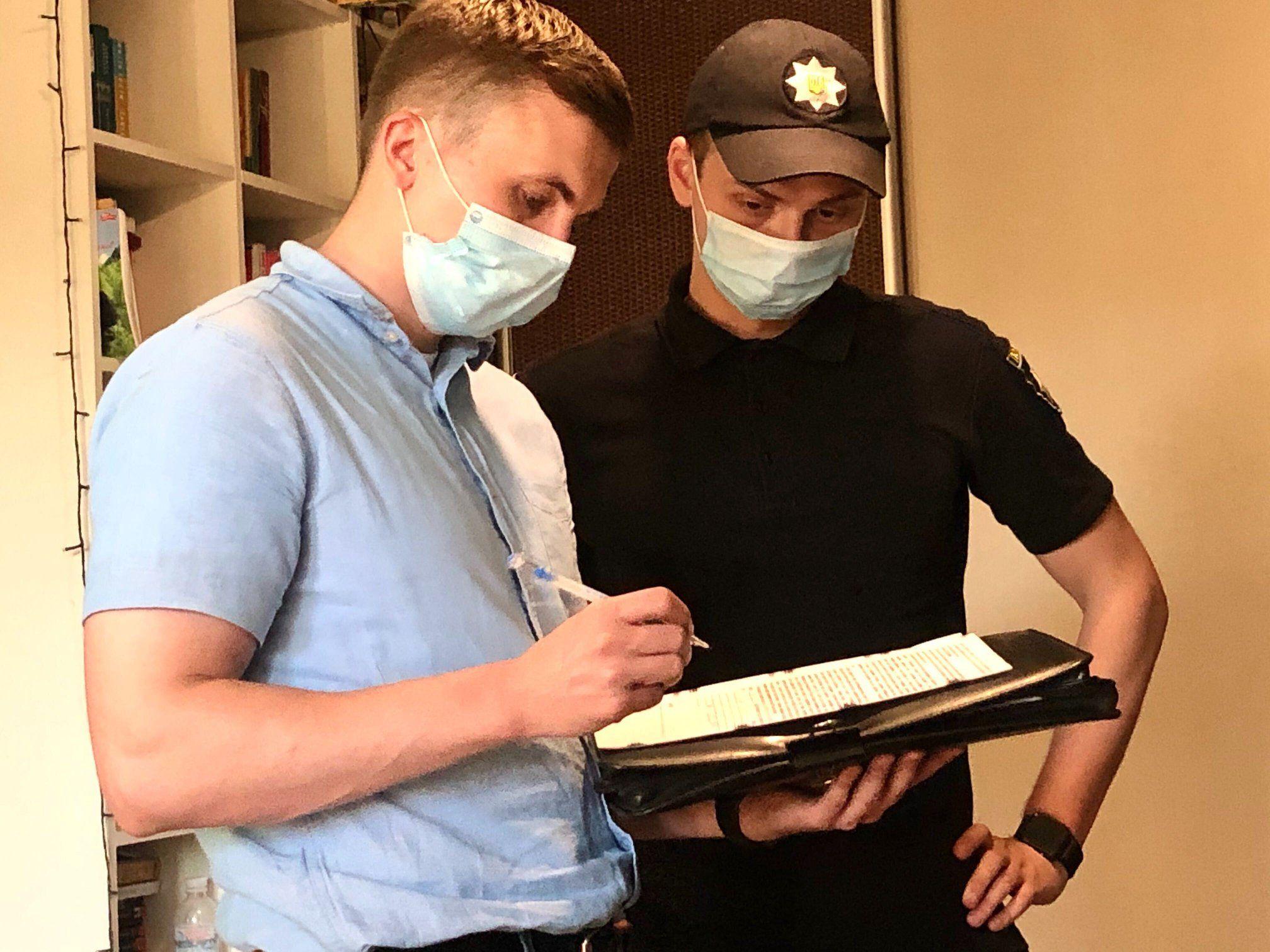 Журналісти та Медіарух вимагають розслідувати справу про прослуховування квартири Михайла Ткача