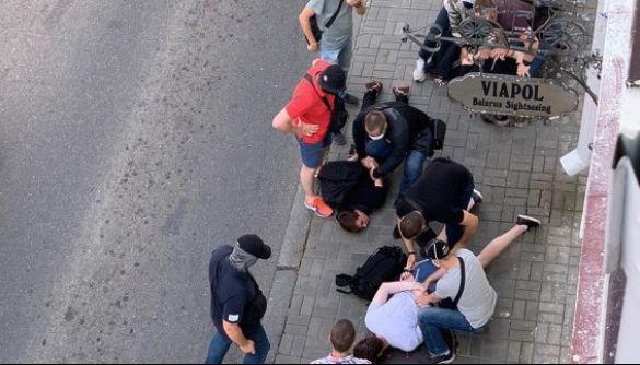 У Білорусі з десяток людей у штатському затримали знімальну групу російського каналу «Дождь»
