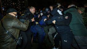 Під судом у справі Шеремета силовик намагався зламати камеру журналісту «Радіо Свобода»