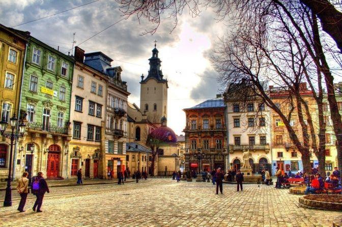 Коротка історія львівської комедії