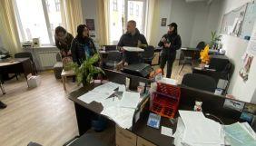У Білорусі силовики прийшли із «оглядами» до видавчині та директорки журналу «Бинокль»