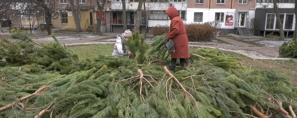 «МедіаЧек»: Сюжет дніпровського Суспільного про благодійну роздачу ялинок — підозрілий