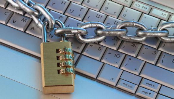 Рада з питань свободи слова: блокування сайтів через судові арешти майнових прав користувачів є неприпустимим