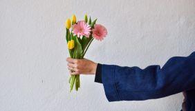 Тендітні плечі замість прав жінок. Що писали 8 березня в соцмережах українські лідери думок