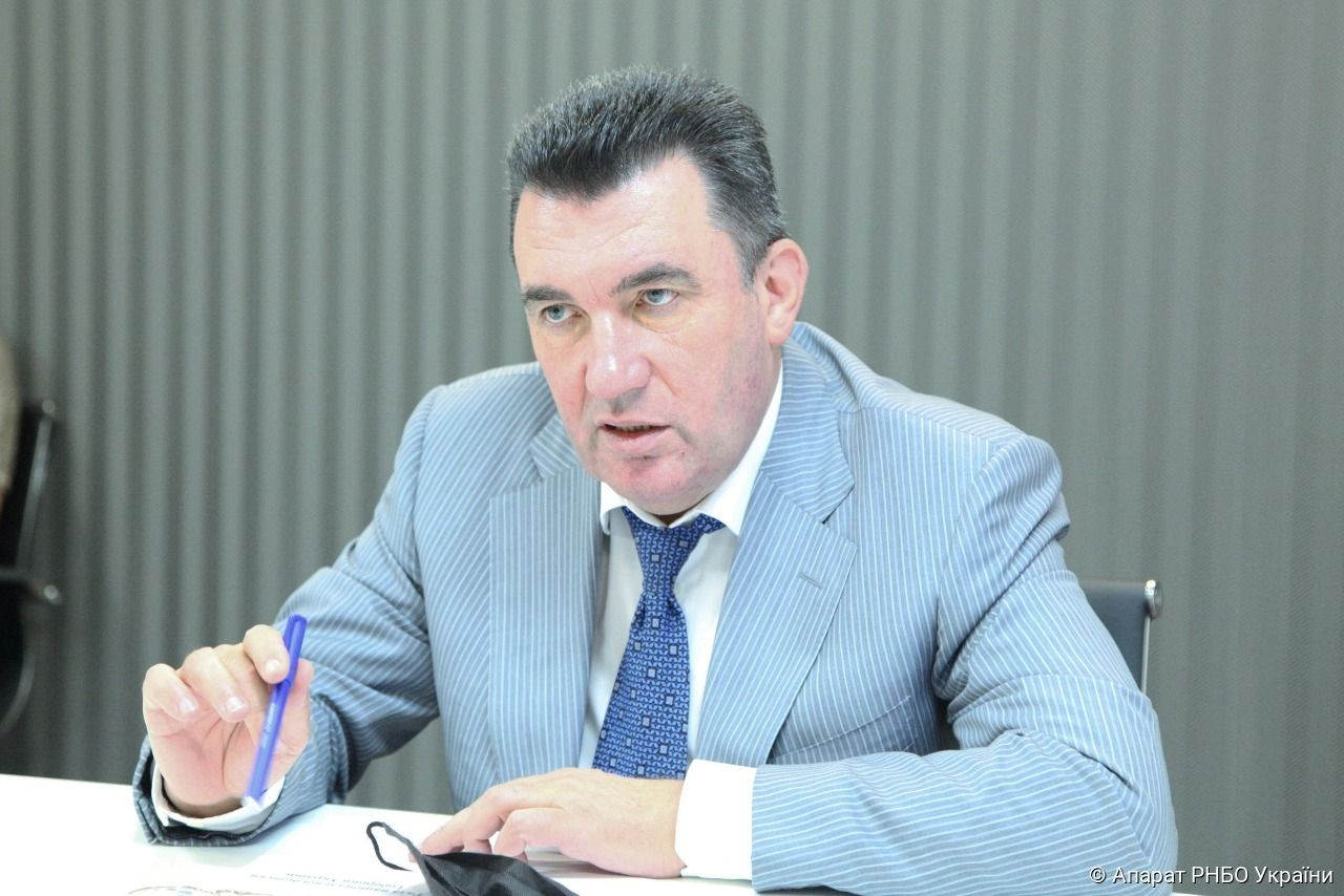 Данілов: Якщо Україна починає говорити російською, то чекайте на прихід Путіна