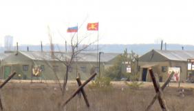«Усе поле зайняте технікою». Німецькі журналісти показали військовий табір РФ біля кордону України (ВІДЕО)