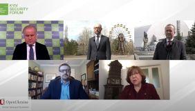 «Свобода України і Білорусі взаємозалежна», — Світлана Алексієвич про зв'язок Чорнобильської катастрофи і сучасності