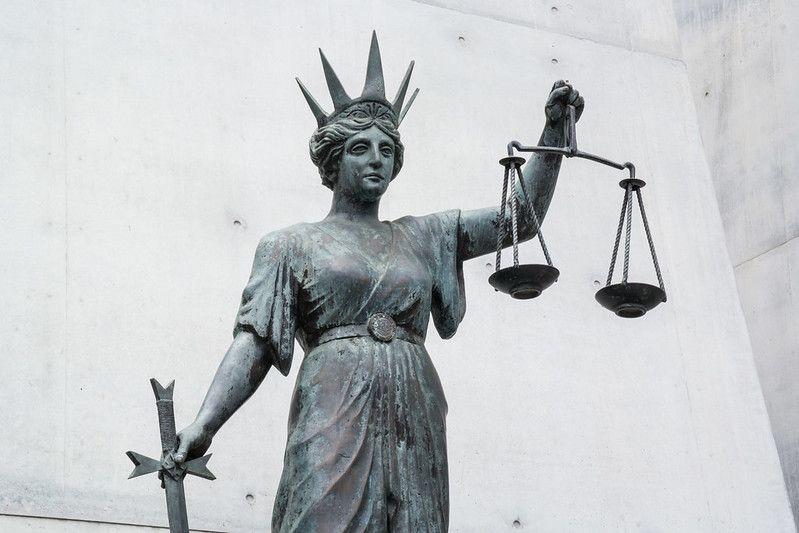 У суді «Ланет» просив заборонити StarLightMedia розривати договір до завершення спору. Суд відмовив