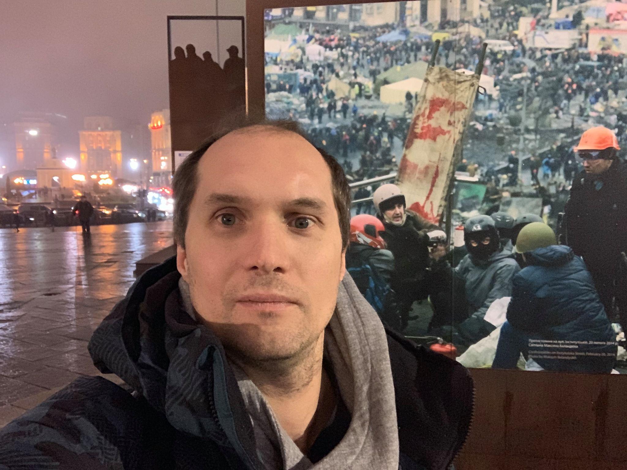 Журналіст Бутусов порівняв керівництво України з «маленькими дітьми» у темній кімнаті, які голосно кричать і плачуть