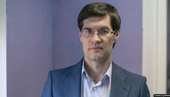 Відомий адвокат і захисник журналістів Зікрацький виїхав з Білорусі