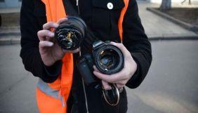 У Львові напали на журналістів та пошкодили їм камеру