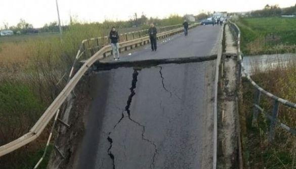 У мережі поширюють фейк про те, що на Львівщині обвалився міст, який ремонтували у рамках «Великого будівництва»