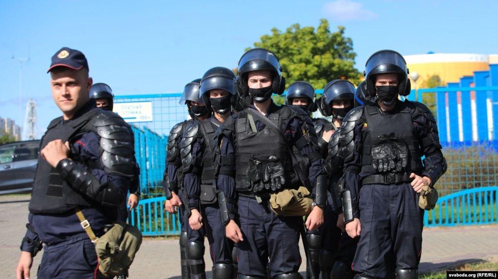 У Білорусі ухвалили закон про бойову техніку та заборону відеозйомки на протестах