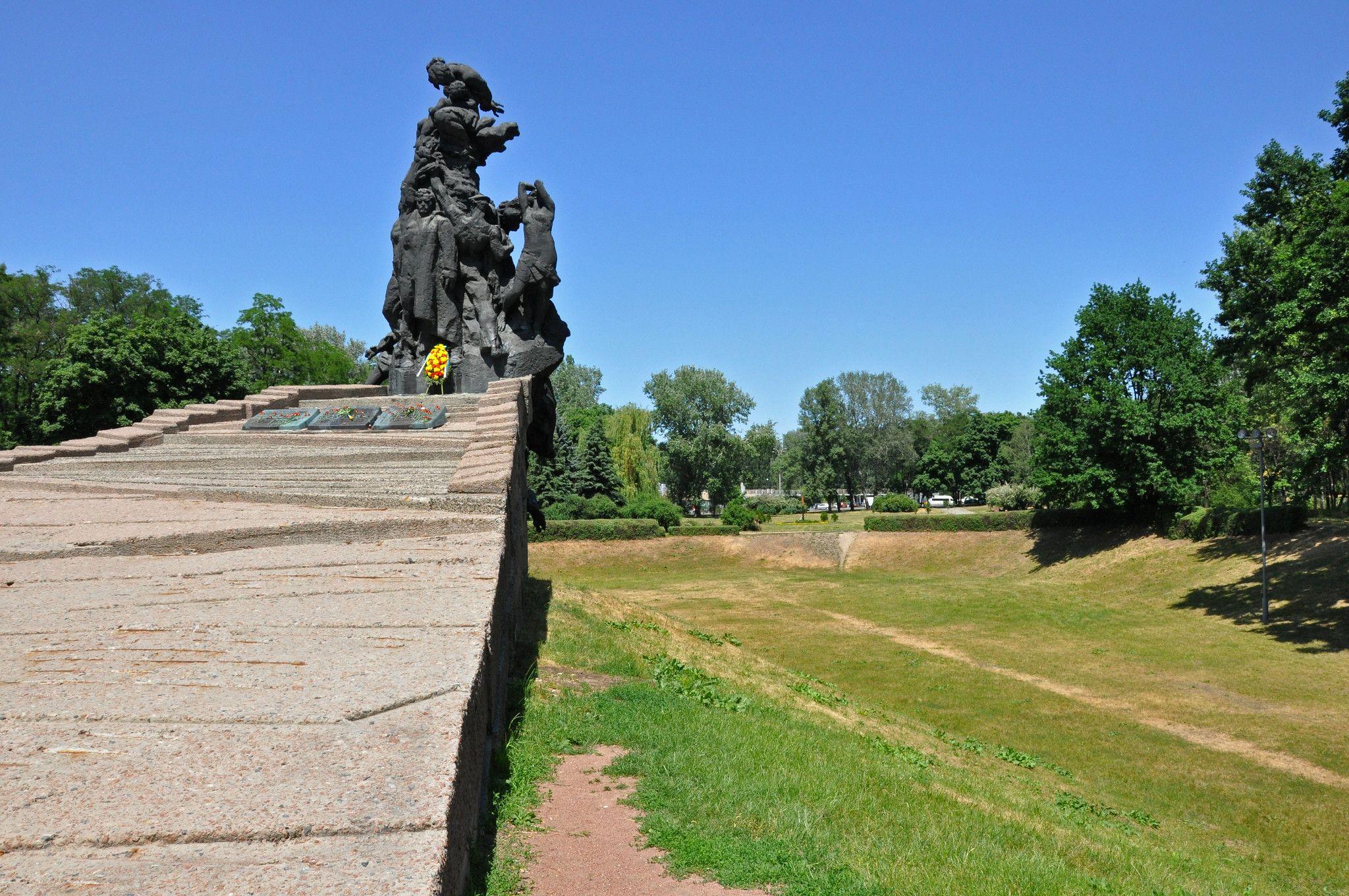 Як російська пропаганда використовує скандал з меморіалом у Бабиному Яру