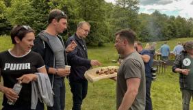 Зеленський влаштував пікнік до Дня журналіста