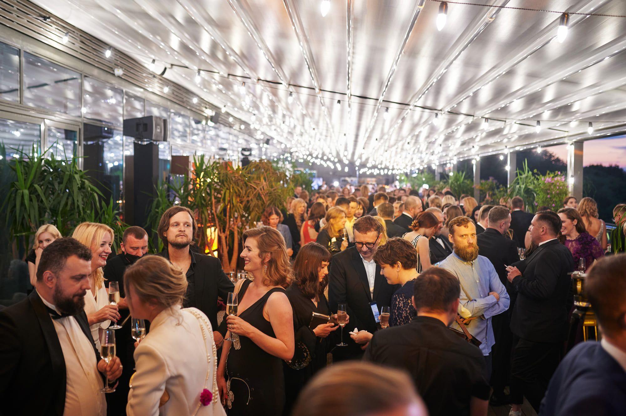 Вечірка на балконі. Як вручали «Золоту Дзиґу 2021» (ФОТО)