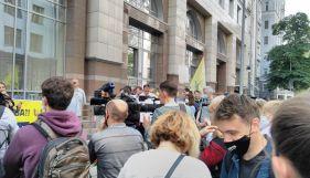 Опозиція зірвала засідання комітету, на якому планувалося вивести телебачення з-під дії закону про мову – Княжицький
