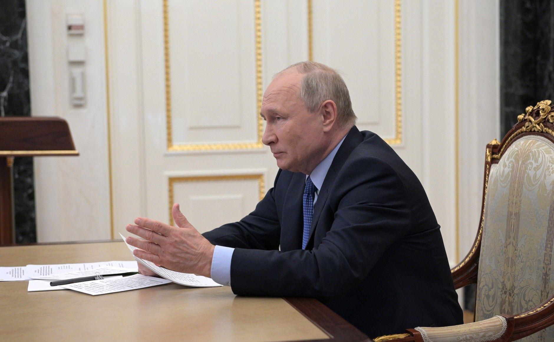 Путін ветував законопроєкт про довічну відповідальність головних редакторів ЗМІ за опубліковану інформацію