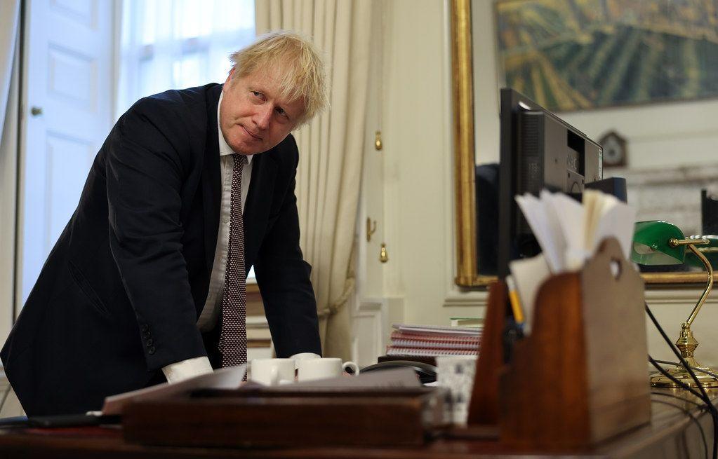 «Це води України». Прем'єр Джонсон заявив про законність дій британського есмінця в Чорному морі