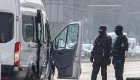 У Білорусі силовики прийшли з обшуками до журналістів у Мінську та Бресті