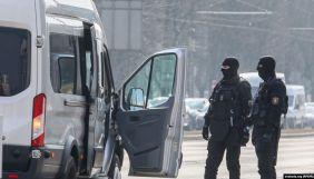 У Білорусі силовики розгромили офіс «Радіо Свобода» та затримали журналістів (ВІДЕО)