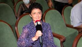 Міністриня культури Грузії в прямому ефірі відібрала мікрофон в журналістки опозиційного телеканалу (ВІДЕО)