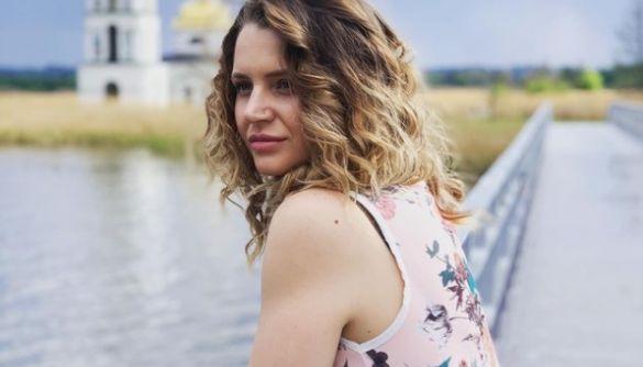 В Іспанії внаслідок нещасного випадку загинула кастинг-директорка кінокомпанії «Мамахохотала» – ЗМІ